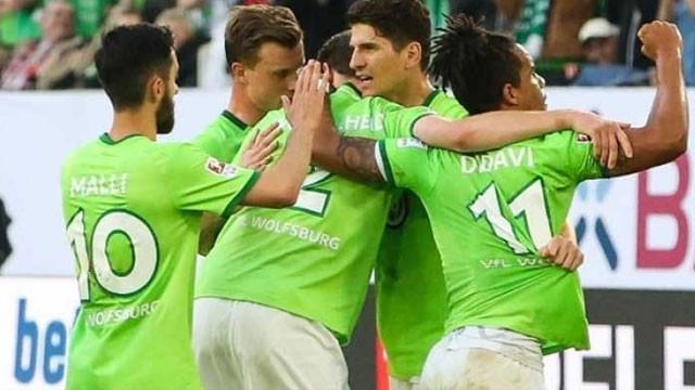 Mario Gomez'li Wolfsburg ligde kaldı !