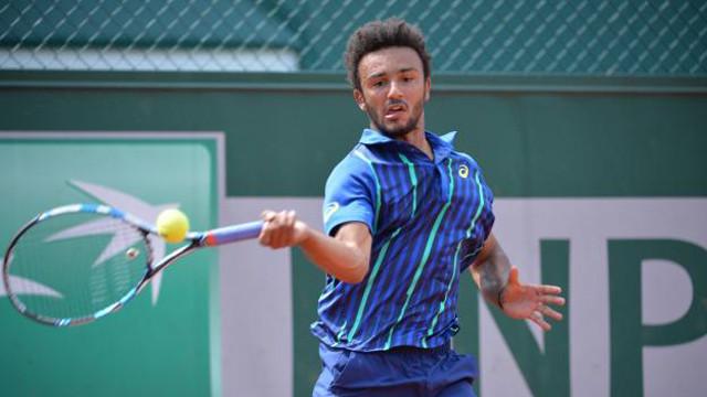 Büyük skandal ! Fransız tenisçi turnuvadan atıldı !