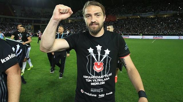 Caner Erkin, 3 yıl daha Beşiktaş'ta