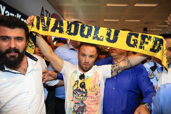 Valbuena'ya coşkulu karşılama