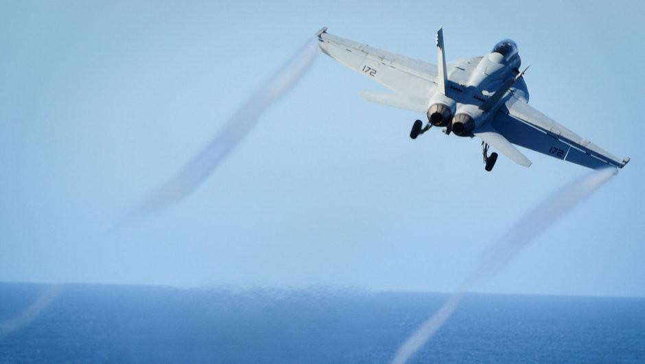 ABD, Suriye savaş uçağını düşürdü, Rusya tehdit etti