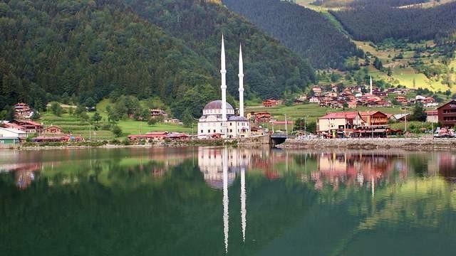 Karadeniz'in büyüleyen güzelliği Uzungöl'ün adı değişti
