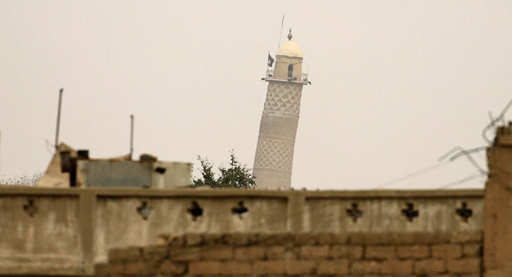 DEAŞ tarihi camiyi havaya uçurdu !