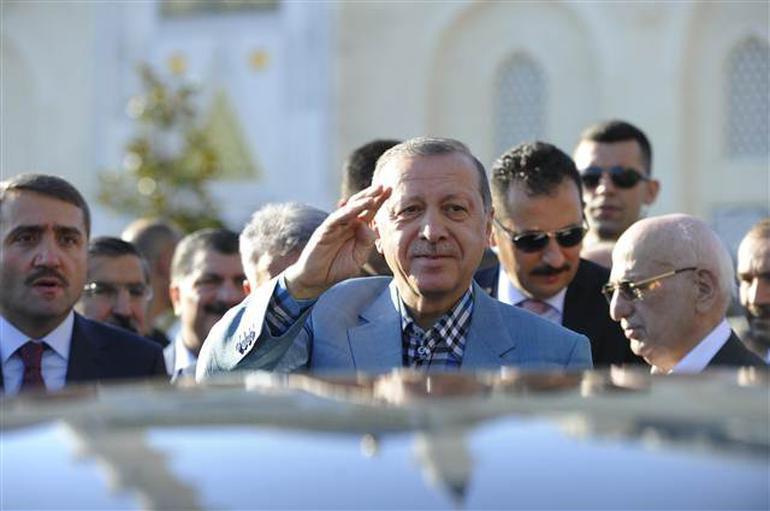 Cumhurbaşkanı Erdoğan camide baygınlık geçirdi
