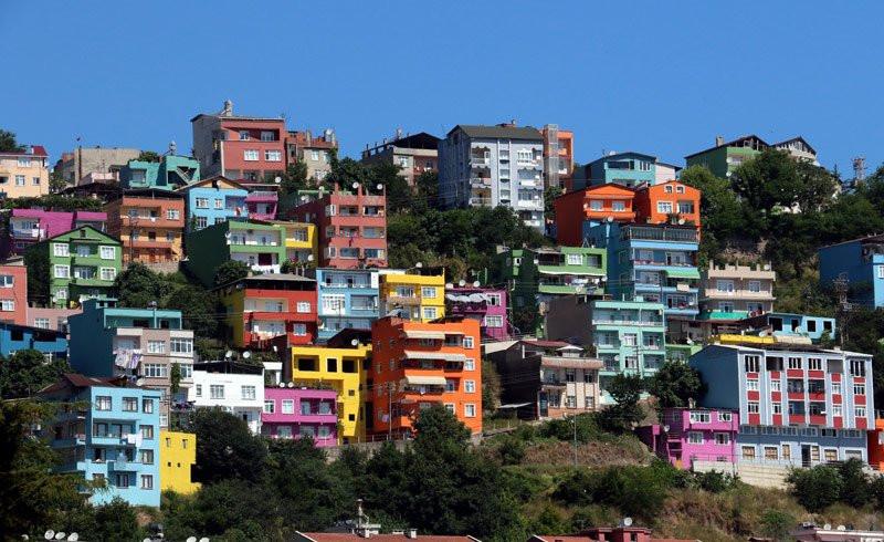 Samsun'da binalar renk renk boyandı