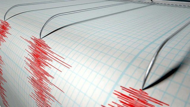 Ekvador'da 6 büyüklüğünde deprem