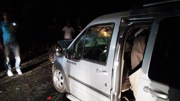 3 araç birbirine girdi: 4'ü ağır, 9 yaralı