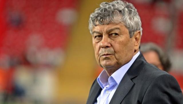 Türkiye - Ukrayna maçında taraftarlar Lucescu ve Yıldırım Demirören'i istifaya davet etti!