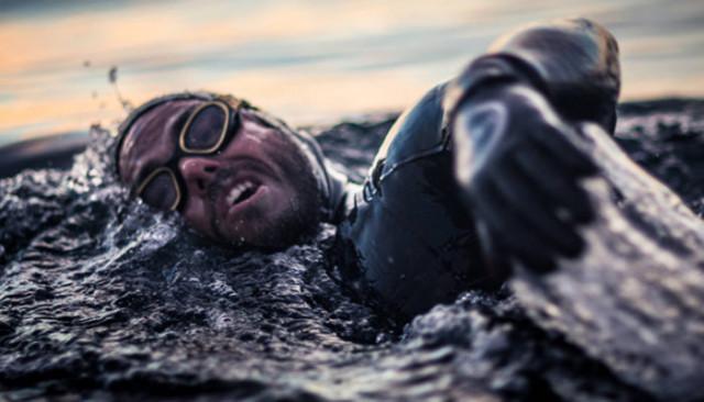 İngiliz sporcu Ross Edgley imkânsızı başardı