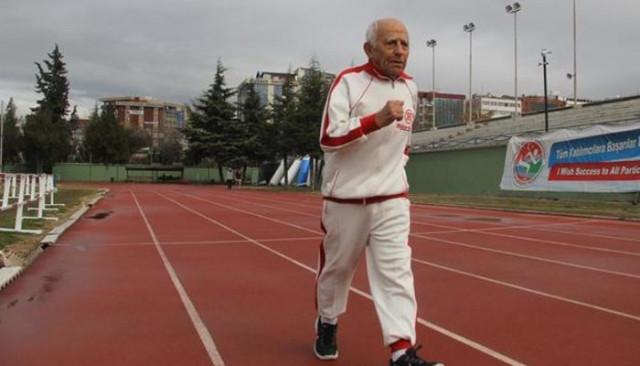 Türkiye'nin en yaşlı atleti Erdoğan Dulda hayatını kaybetti