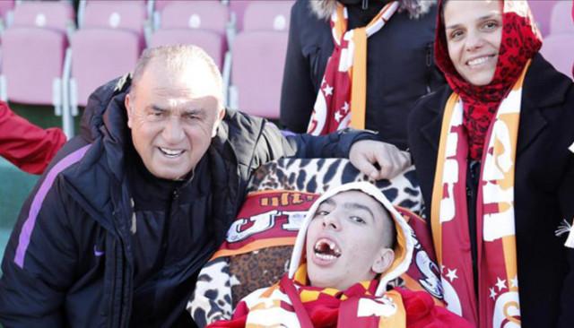 Galatasaraylı engelli gencin hayali gerçek oldu