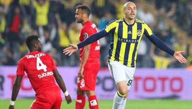 Aatif Chahechouhe Fenerbahçe'ye veda etti