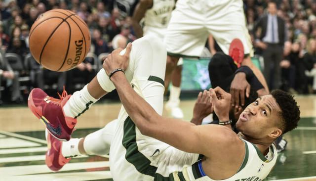 Milwaukee Bucks 129 - 112 Cleveland Cavaliers