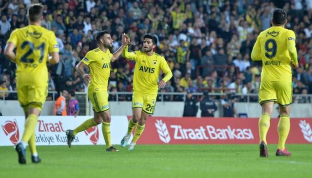 Fenerbahçeli oyuncular Tarsus İdmanyurdu galibiyetini değerlendirdi