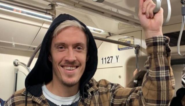 Max Kruse metroya bindi, sosyal medyayı salladı