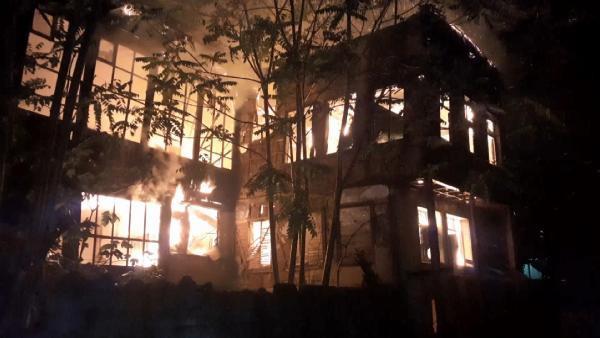 2 bina alev alev yandı