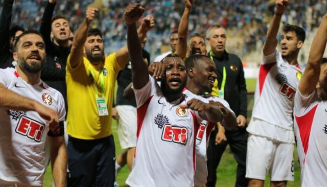 Adana Demirspor 2 - 3 Eskişehirspor