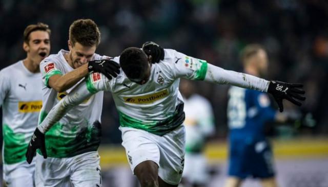 ÖZET   Borussia Mönchengladbach-Freiburg maç sonucu: 4-0