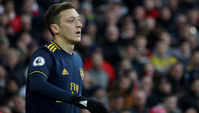 Arsenal'den flaş Mesut Özil açıklaması!