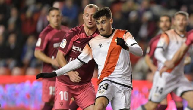 İspanya'daki Rayo Vallecano-Albacete maçı Zozulya'ya yapılan ırkçı tezahürattan dolayı yarıda kaldı