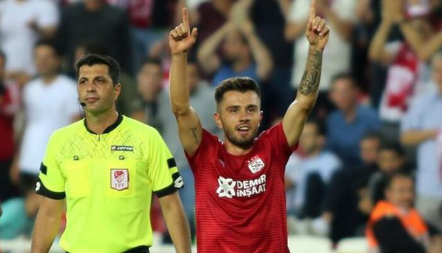 Galatasaray Emre Kılınç transferinde anlaşmaya vardı!