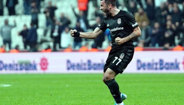 Gökhan Gönül bu sezon ilk golünü kaydetti!