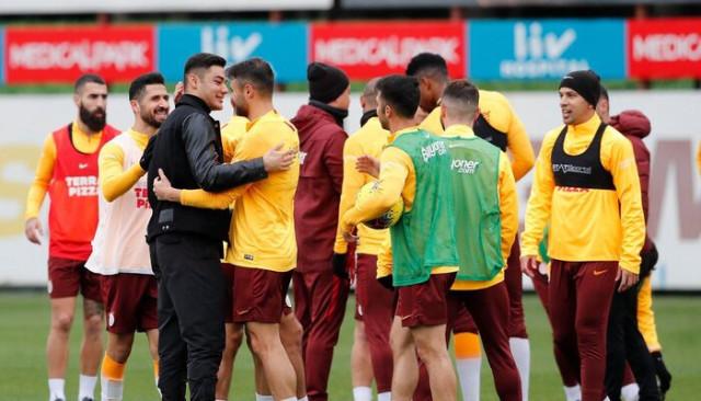 Ozan Kabak'tan Galatasaray'a ziyaret