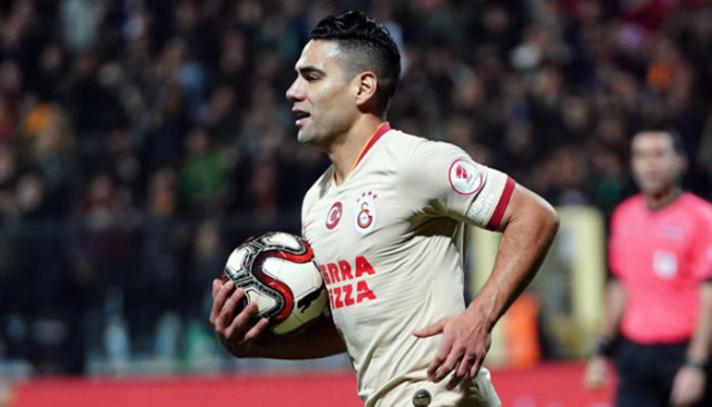 Falcao Atletico Madrid'e dönebilir iddiası