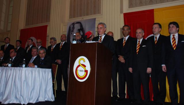 Mehmet Helvacı: Futbol takımının etkilenmemesi için seçimin lig sonuna bırakılması lazım