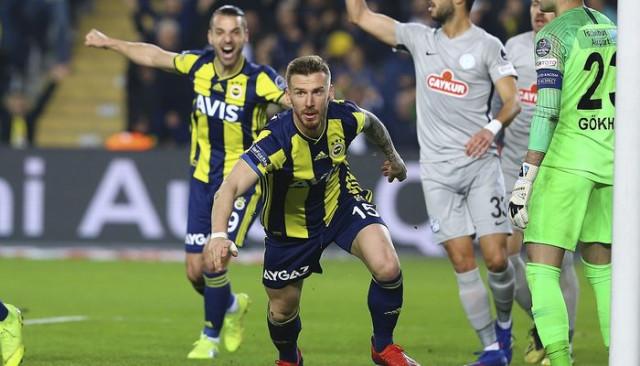 Fenerbahçe'de 5 transferden 4'ü gol kaydetti