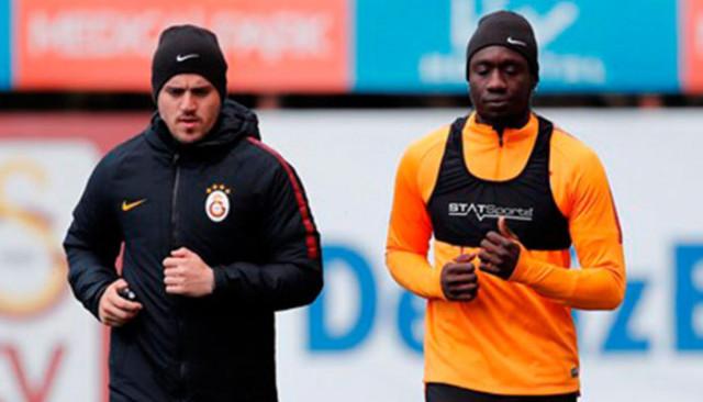 Galatasaray'da Mbaye Diagne ve Kostas Mitroglou sevinci