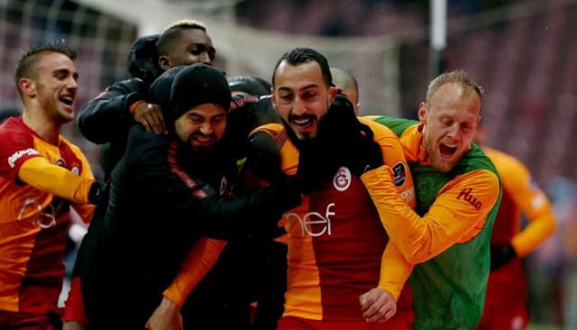 Feghouli: Mitroglou Galatasaray'da olmaktan çok mutlu