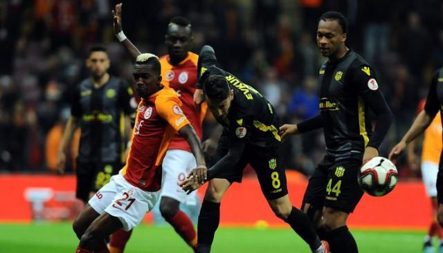 Galatasaray taraftarı Onyekuru ve Diagne'ye tepki gösterdi!