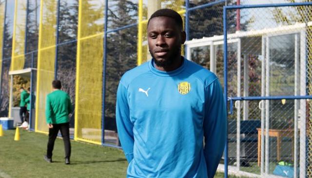 Wilfred Moke: Fenerbahçe'den 3 puan almak zorundayız