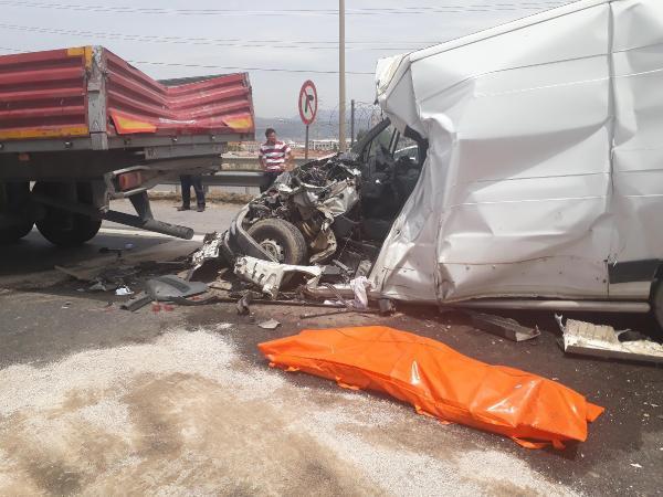 İzmir'de korkunç kaza: 1 ölü