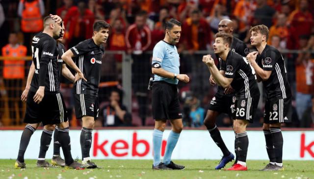 Galatasaray'ın Beşiktaş maçında bulduğu gol öncesi taç itirazı!