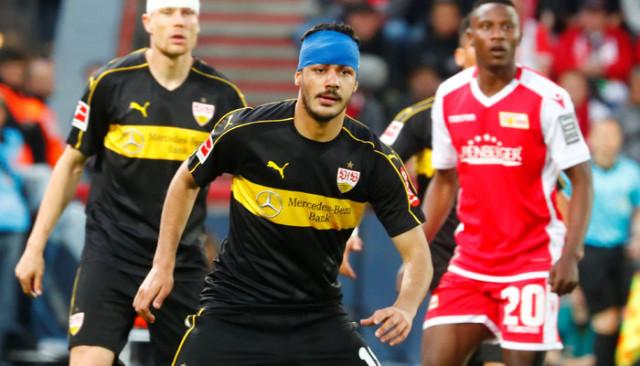 Ozan Kabak Bundesliga'da yılın çaylağı seçildi!