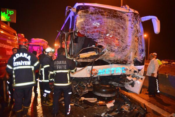 Adana'da zincirleme kaza: 20 yaralı