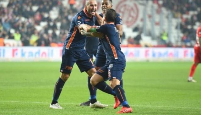 Fenerbahçe savunmasına buz adam Kudryashov