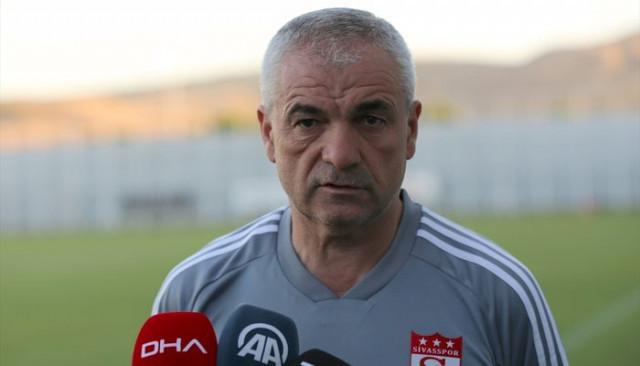 Rıza Çalımbay: Beşiktaş maçı öncesi Emre Kılınç haberlerinin çıkması doğru değil