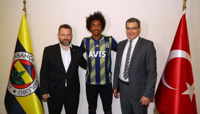 SON DAKİKA | Luiz Gustavo resmen Fenerbahçe'de