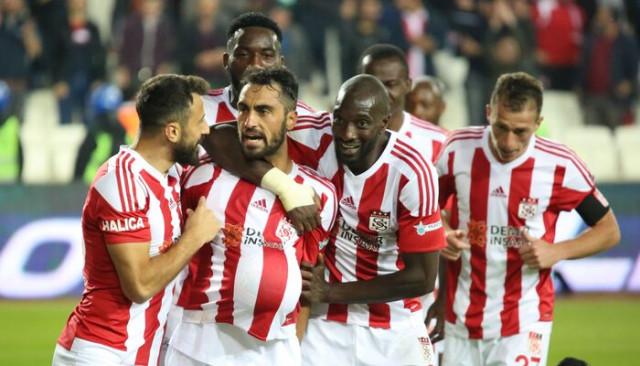 Demir Grup Sivasspor 3 maç sonra kazandı