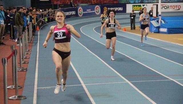 Milli atlet Simay Özçiftçi'den 300 metre rekoru