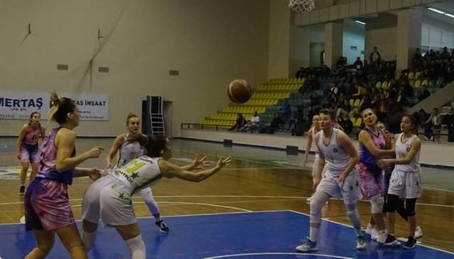 Edremit Belediyesi Gürespor-Yalova VİP: 93- 77
