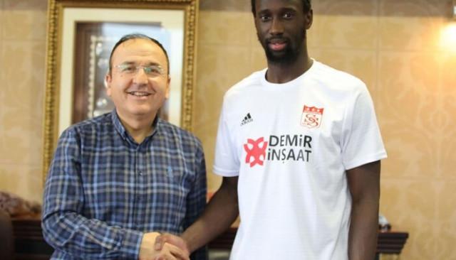 Sivasspor, Samba Camara'yı kadrosuna kattı