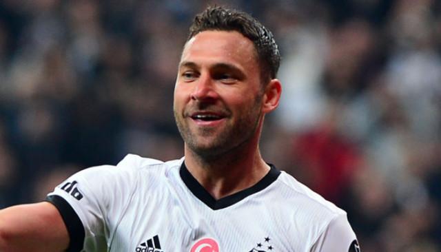 Antalyaspor, Beşiktaş'ın eski oyuncusu Dusko Tosic ile anlaştı