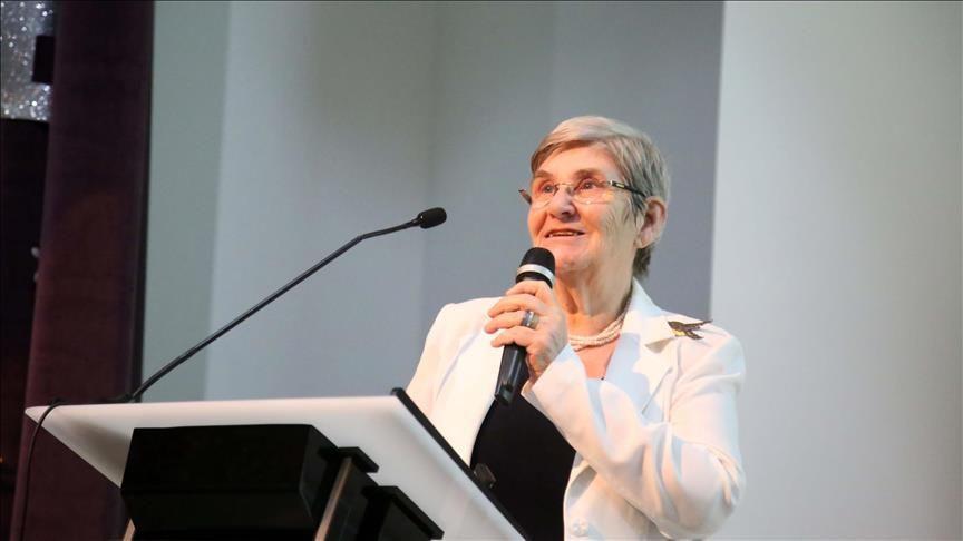 Canan Karatay'a Almanya Sağlık Bakanı'ndan 'gargara' desteği