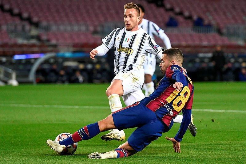 ''Ronaldo Messi'den daha yardımsever''