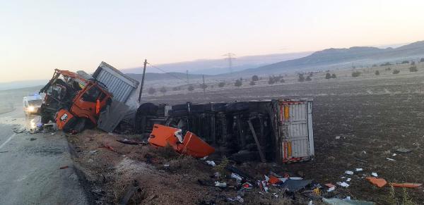 Burdur'da peş peşe 4 kaza: Yaralılar var!