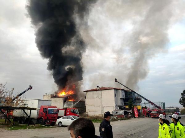 Deterjan fabrikasında korkutan yangın